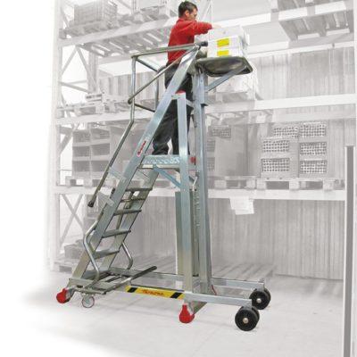 Escalera de aluminio con plataforma